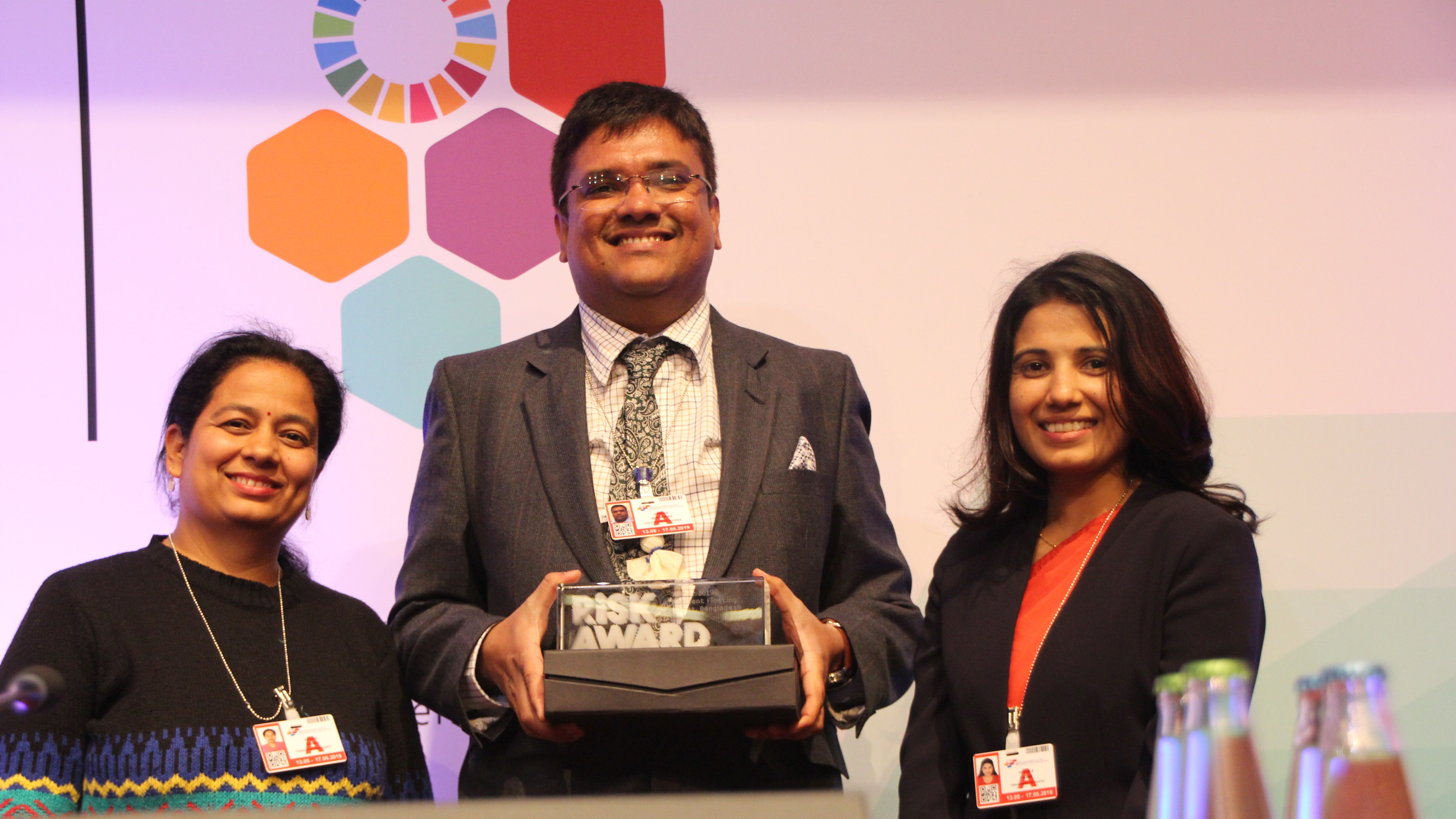 Nandan Mukherjee, winner of the RISK Award 2019, together with Apsara Pandey and Sushila Pandel, winners of the RISK Award 2017.